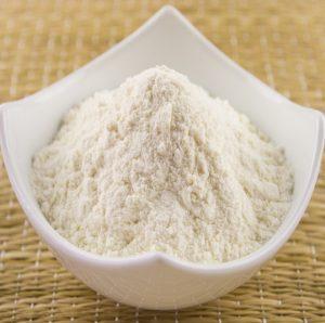 A Farinha de Trigo www.fatakat a.com %D8%AF%D9%82%D9%8A%D9%82 %D8%A7%D8%A8%D9%8A%D8%B6 300x298 كعك بالملبن