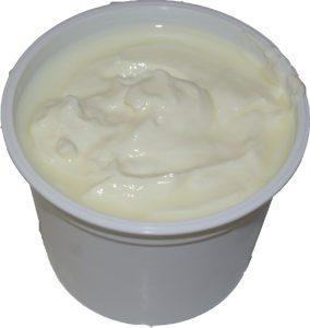 علبة جبن بيضاء