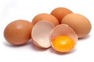 البيض لصنع الكريب الحلو بالصور