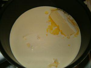 مرحلة تسيح الزبدة علي النار بالصور مطبخ فتكات عرب