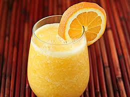 كوكتيل عصير الموز بالبرتقال