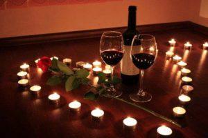 شموع رومانسية مع ورد احمر ليلة رومانسية جديدة2016