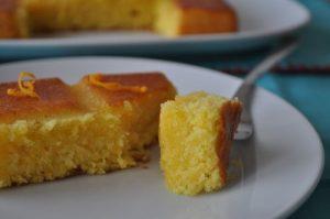 قطع الكيك بالبرتقال مع خليط اللبن من مطبخ فتكات