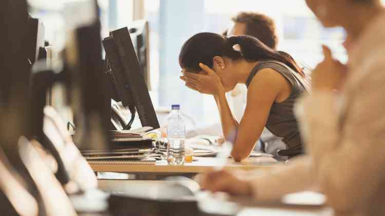 علامات الاحتراق الوظيفي بسبب العمل