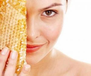 تنظيف العين بالعسل