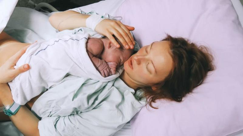الموعد الطبيعي لسقوط خيوط الولادة الطبيعية