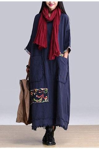725ee8d877bc1 ... البنطلون الواسع مع الألوان الفاتحة ويمكن أن يتم إرتداء الفساتين الواسعة  الجميلة والمشرقة والتي يوجد عليها نقوشات ورسوم بالزخارف ذات الطابع الهندسي