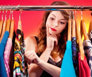 تنسيق الألوان للملابس