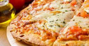 طريقة عمل عجينة بيتزا طرية