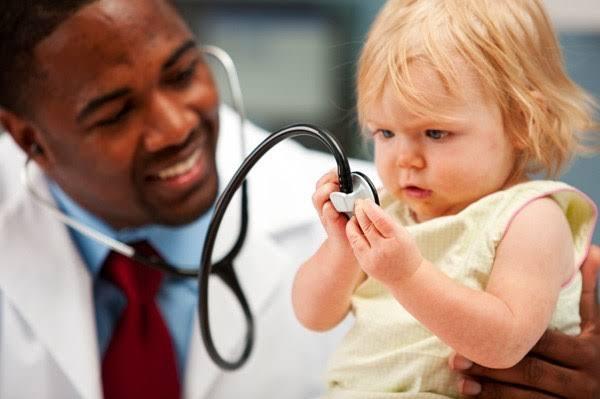 موضوع تعبير عن مهنة الطبيب للأطفال