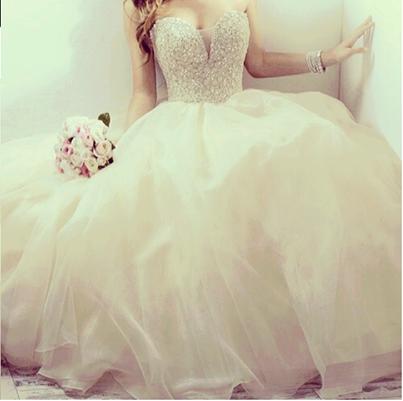 اشيك فساتين الزفاف