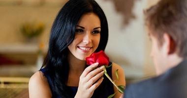صفات المرأة الرومانسية