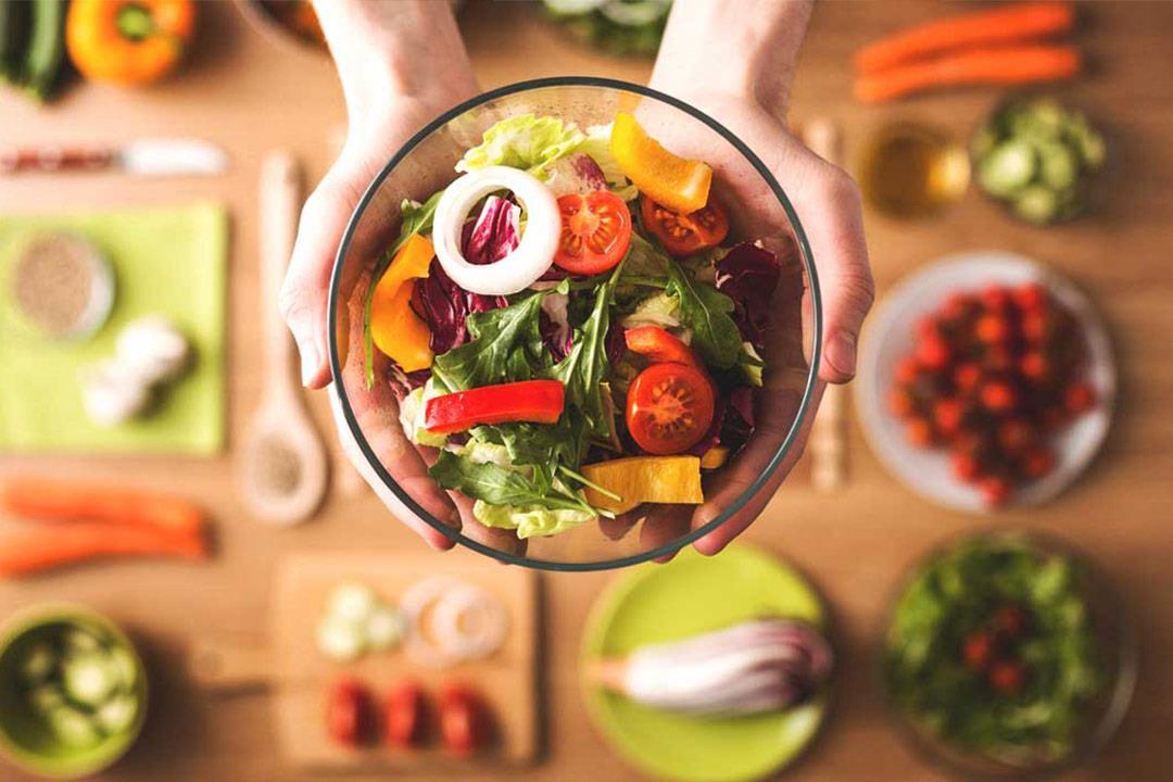 أكلات صحية يمكنك تناولها بدون قلق