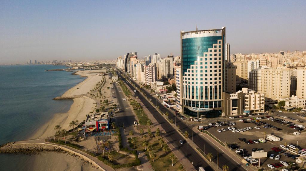 أشهر تلال الكويت