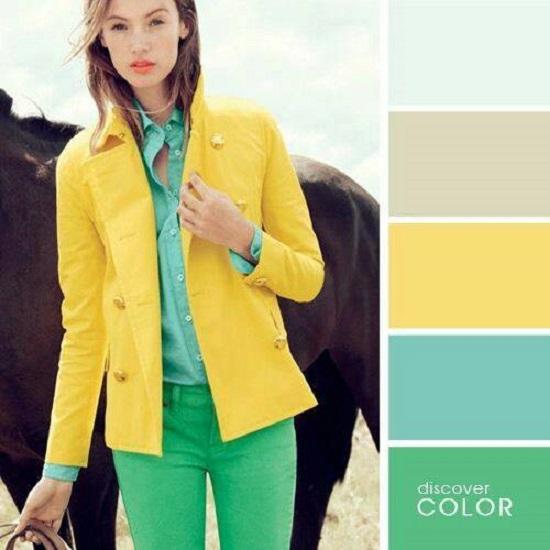 كيفية تنسيق ألوان الملابس للمراهقات