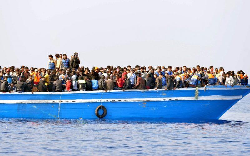 أسباب هجرة الشباب إلى الخارج