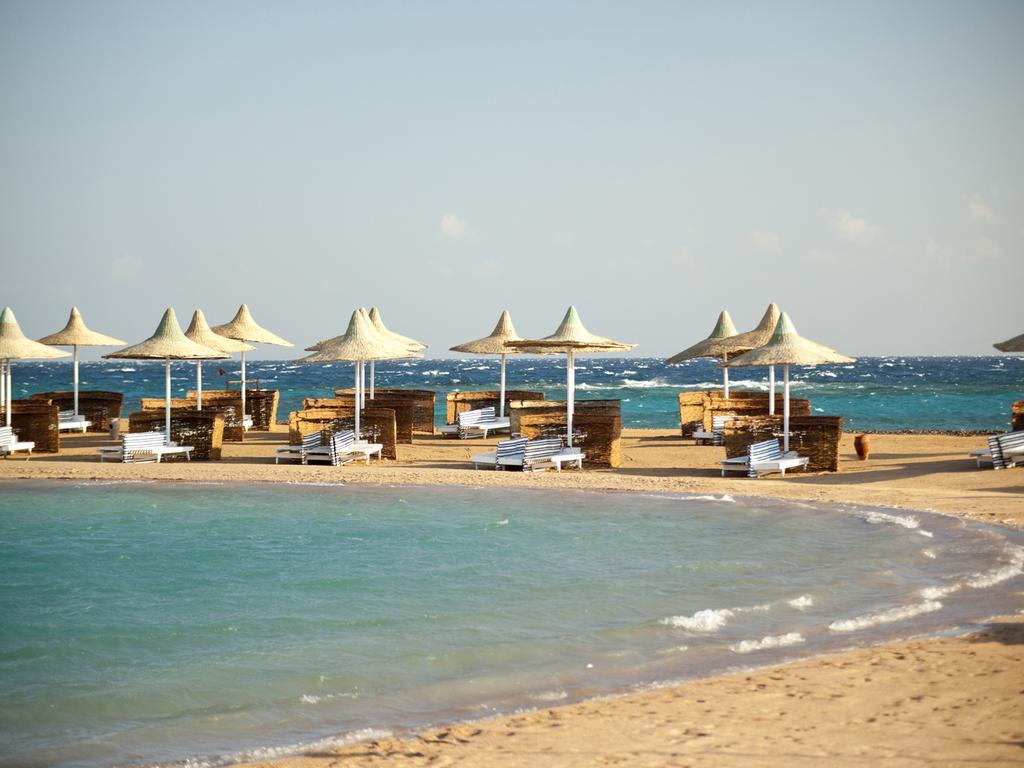 منتجع شاطئ حشيش