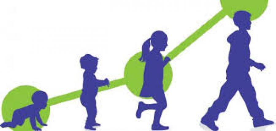تعريف الطفولة وأهم المراحل التي تمر بها