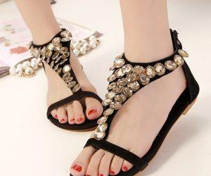 a655c70f4 أحذية بنات للمدرسة