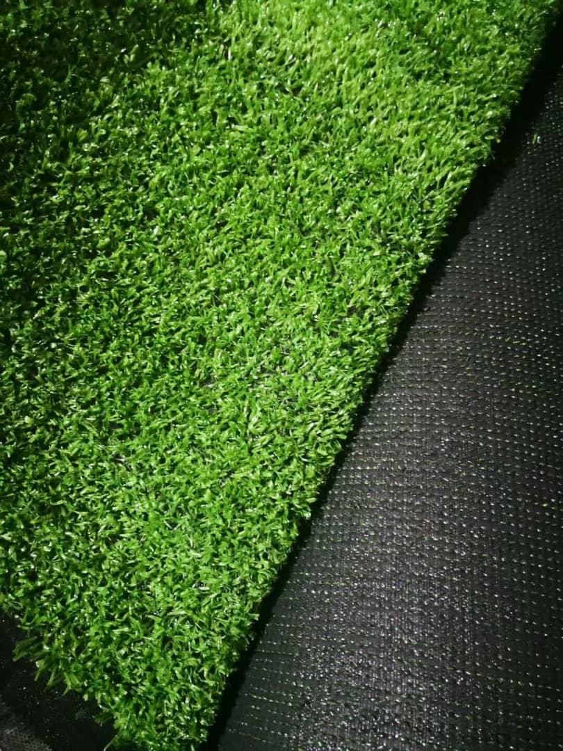 عيوب العشب الصناعي للمنازل