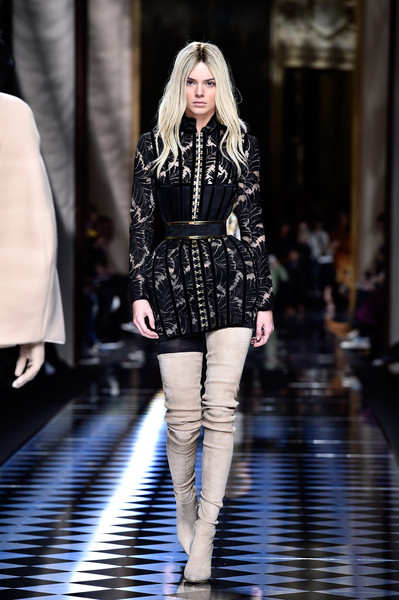 Balmain+Runway+Paris+Fashion+Week+Womenswear+_CdPUna0Z_hl