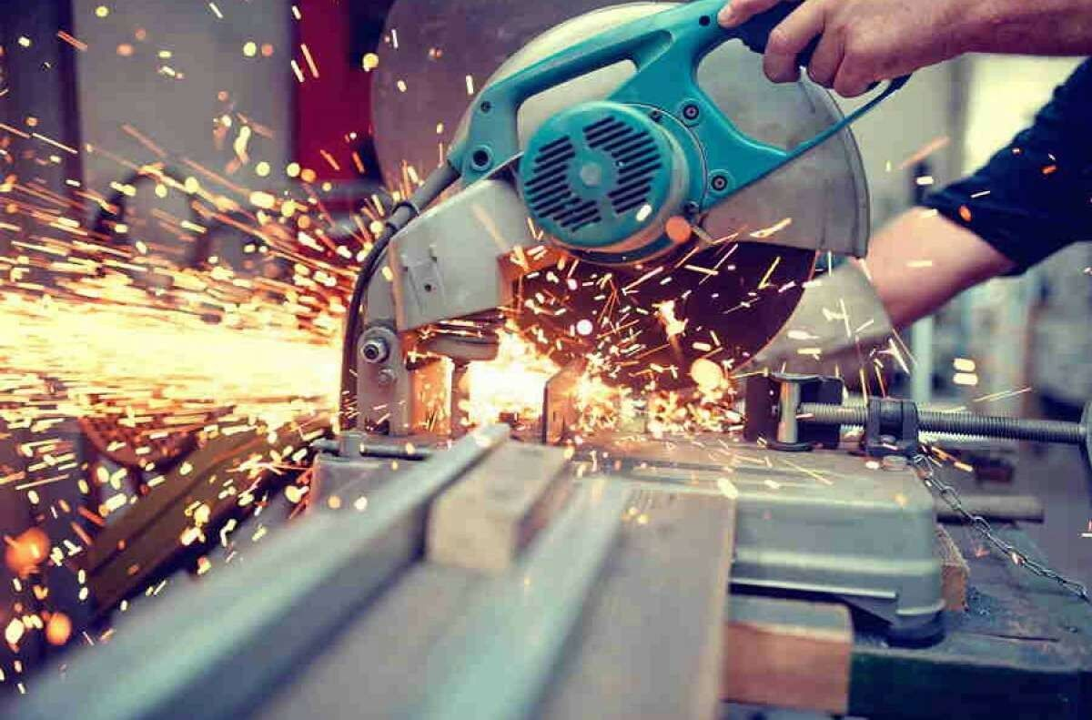 ما هي الهندسة الصناعية؟ وما تخصصاتها؟ وما مجالاتها؟