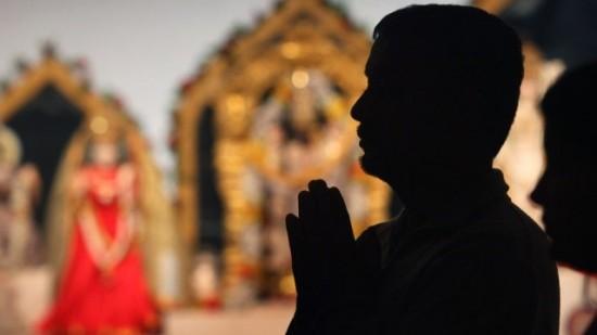إيمان أعمى وتام لشعائر وديانات غامضة