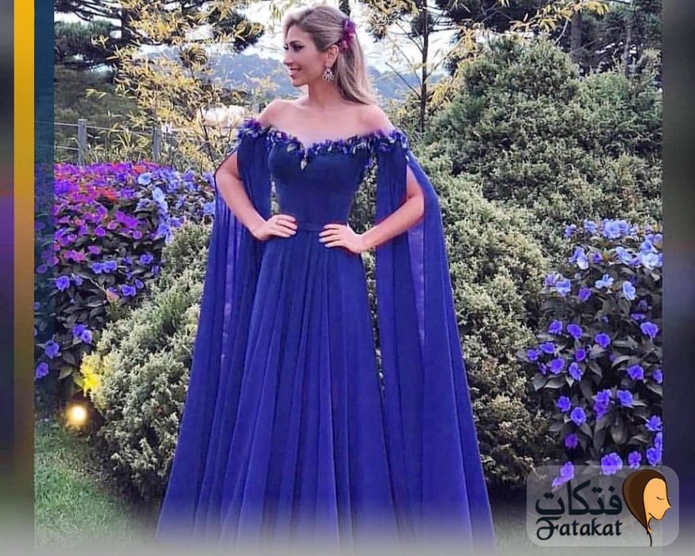 رؤية ارتداء فستان ازرق فى المنام