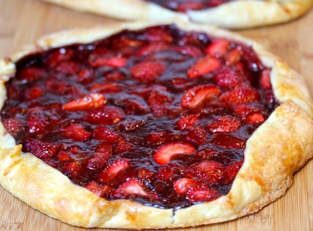 طريقة عمل البيتزا الرمضانية بالفواكه