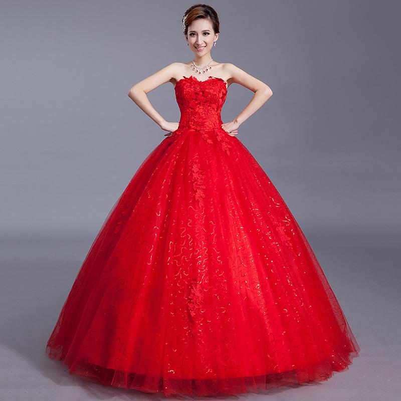 Vestidos-rojos-con-escote-de-corazón-3