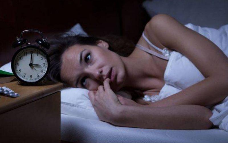 أسباب قلة النوم وطرق تجنبها
