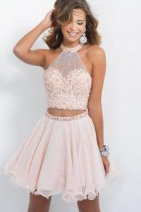 d0a6e305e آخر صيحة للفساتين القصيرة 2018 Short Dresses