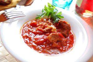 carne-con-tomate1