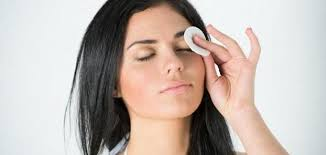 فوائد الماء و الملح للعين