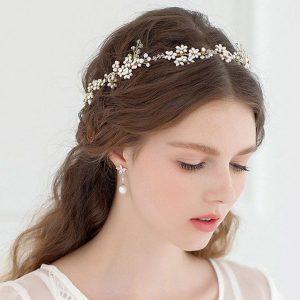 اكسسوارات العروسة من منتدي فتكات