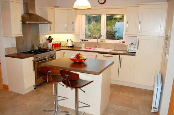 high-tide-cottage-kitchen