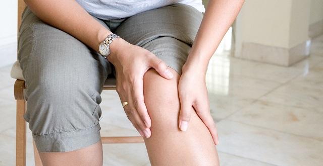 أسباب خشونة الركبة