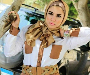 a96d98de6761c الوان واشكال فساتين المصممة المصرية مليكة للمحجبات صيف موضة 2016