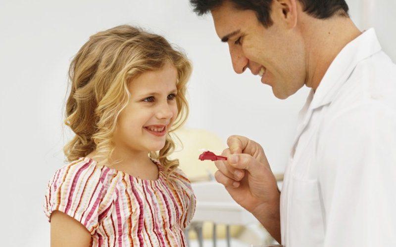 كيف تتصرفين عندما يحسن طفلك التصرف