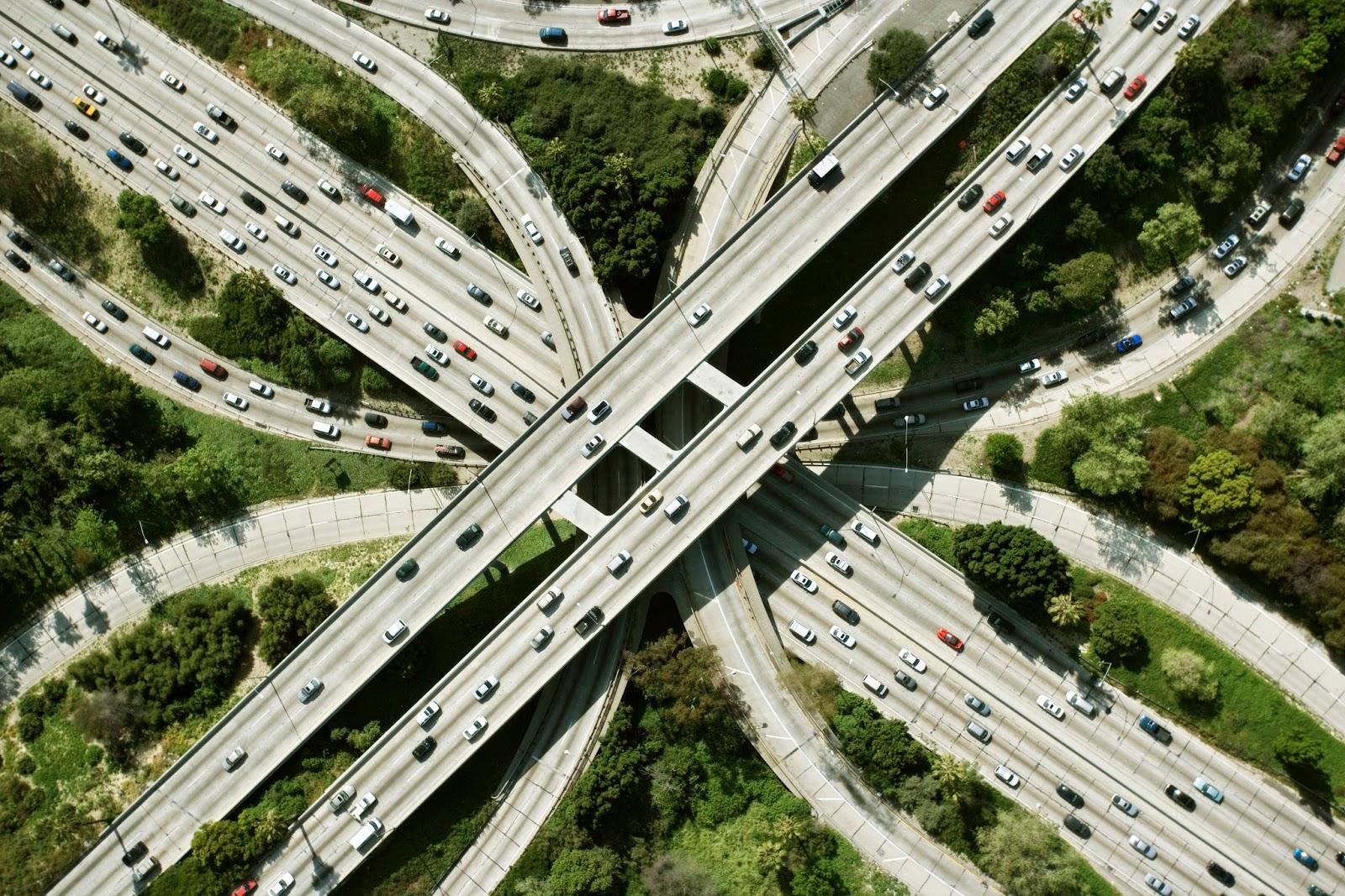 ما هي هندسة النقل والمواصلات؟ وما تخصصاتها؟ وما مجالاتها؟