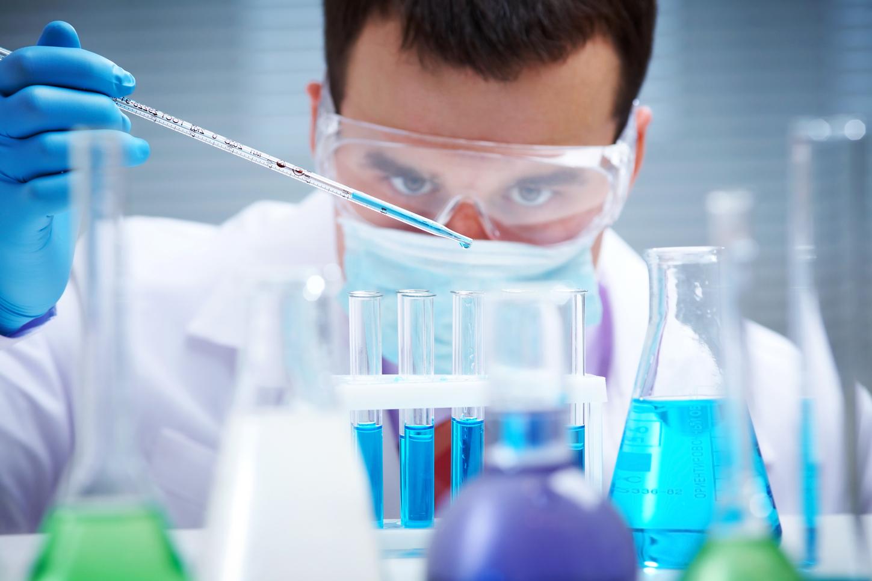 أشهر علماء الكيمياء في العصر الحديث