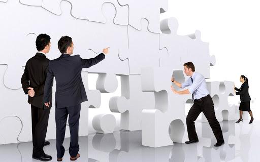 الفرق بين الإدارة والقيادة