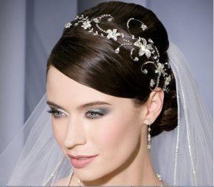 اكسسوارات للعروسة من منتدي فتكات