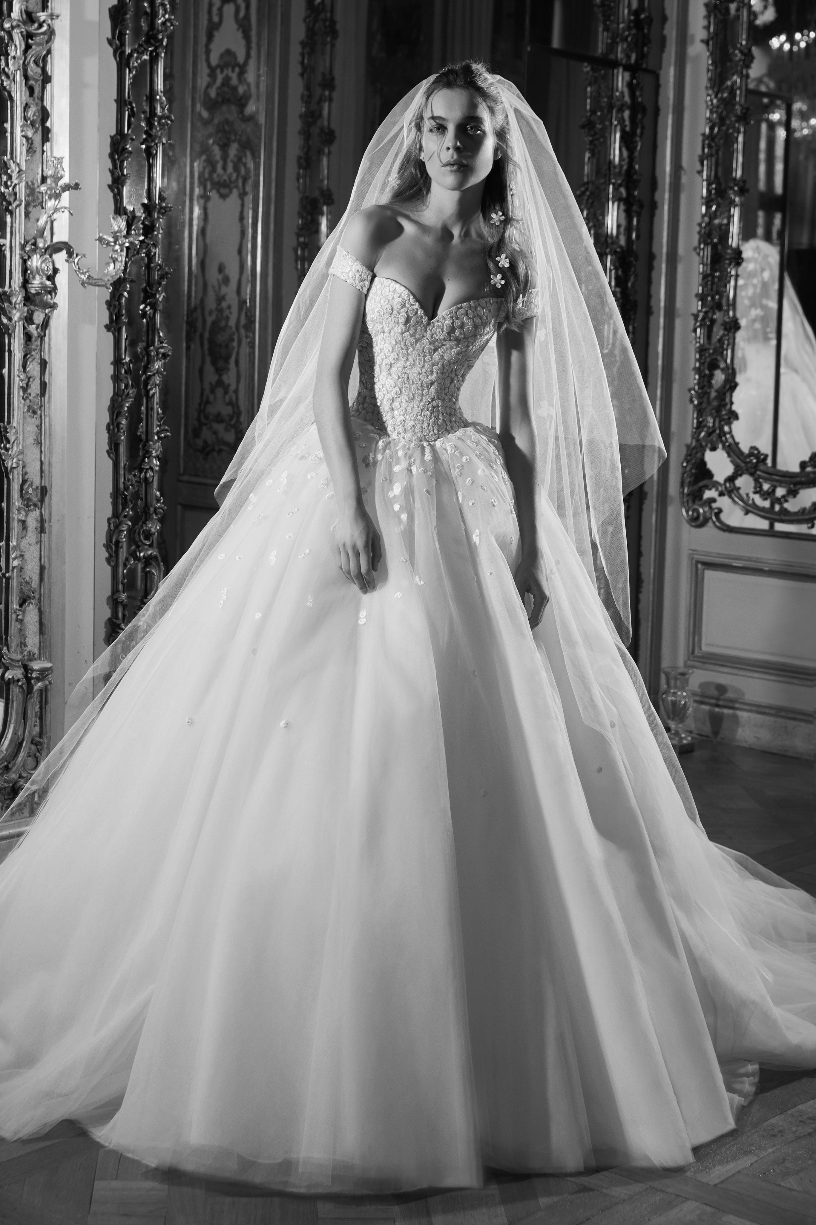 fff1dd49a0d8b بالصور اجمل فساتين الخطوبة والزفاف لعام 2019