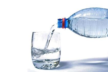 ماء لعمل ماسك للبشرة