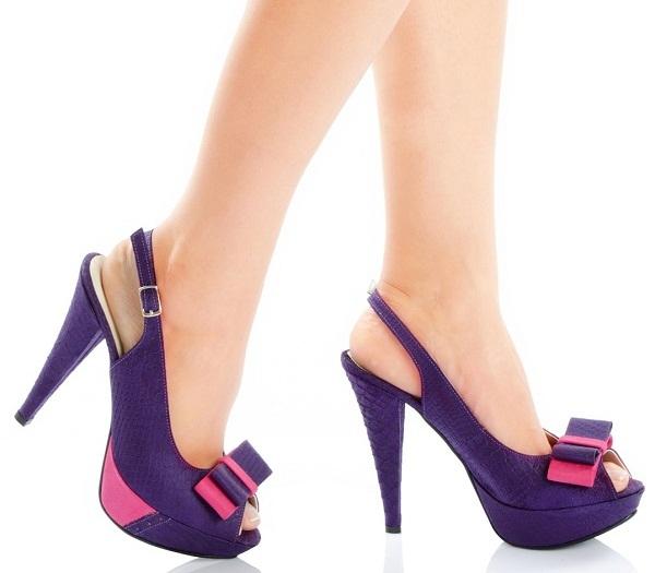 57019a288 الحذاء ده في لبسه شيك جدا وغير انه كمان بفيونكة جميله علي الجنب لونه احمر و  الصورة بتجمع بين اكتر من موديل منه لكن الفيونكة لونها ثابت في الثلاثة ...
