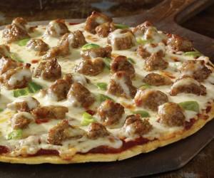 طريقة عمل البيتزا بالسجق