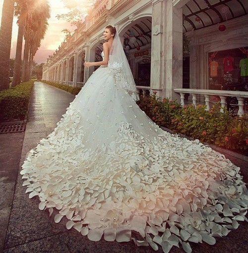 احدث فساتين زفاف تركية